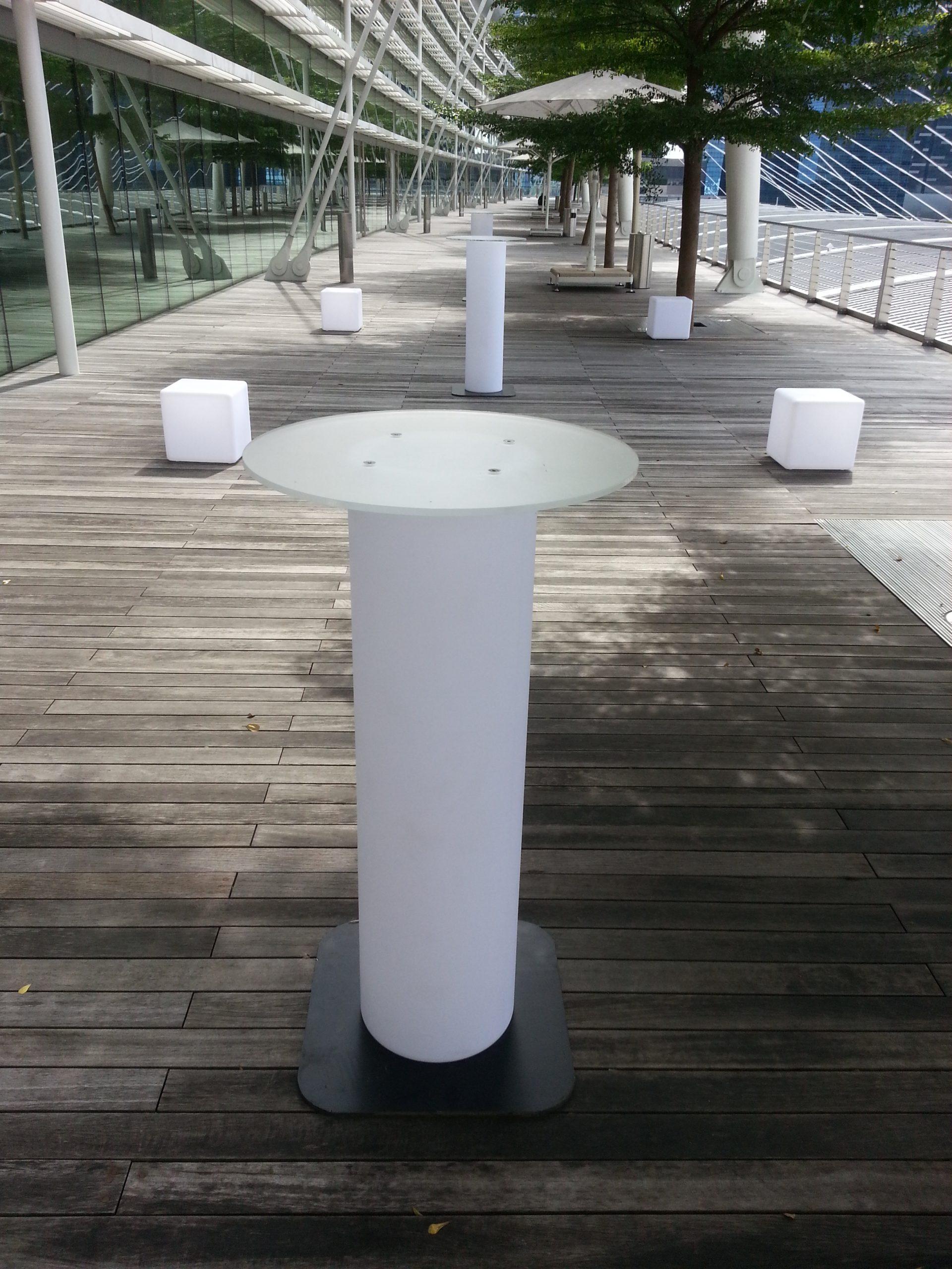 Lited Bar Table