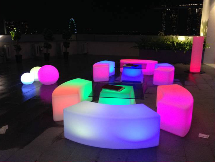 Lited Cocktail Bench